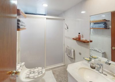M218-D302-Bathroom